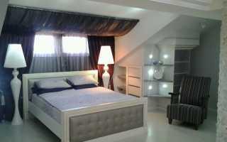 Интерьер мансардной спальни фото