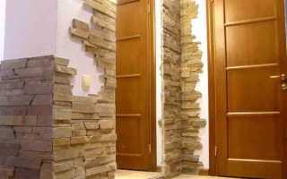 Отделка кирпичом в коридоре