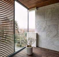 Балкон дизайн камнем