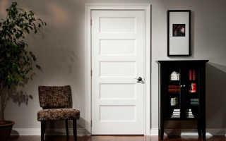 Двери в интерьере квартиры в современном стиле